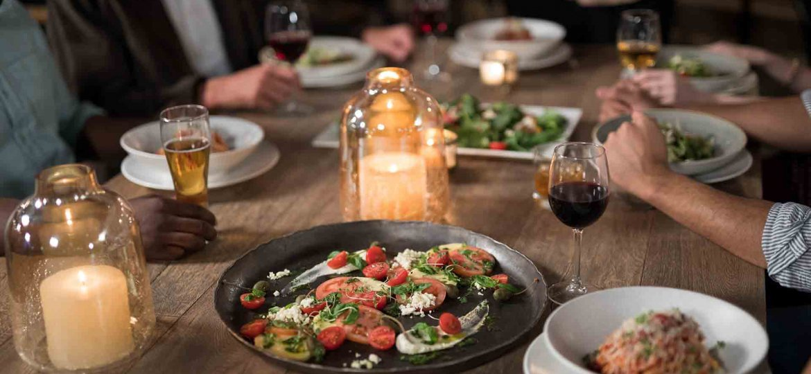 5 Safe Outdoor Dining Tips